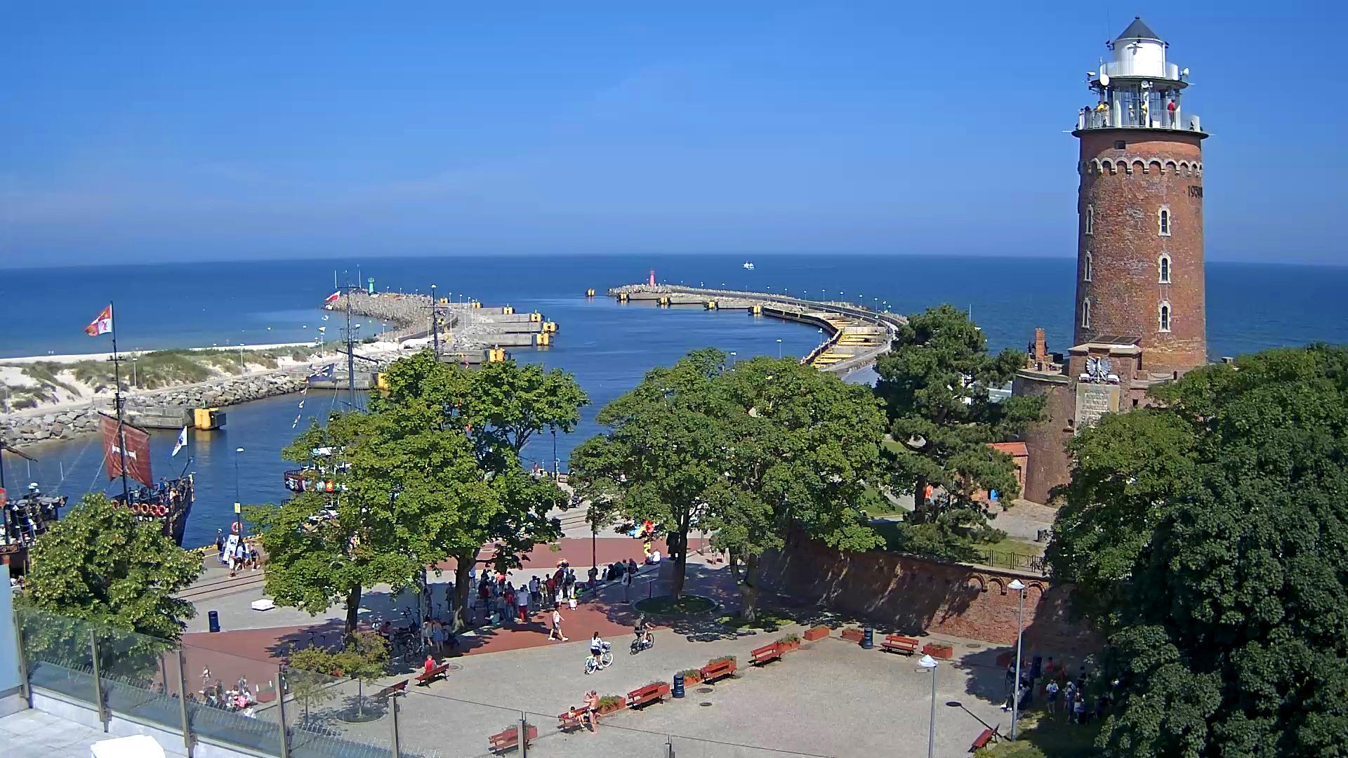 Port oraz latarnia morska